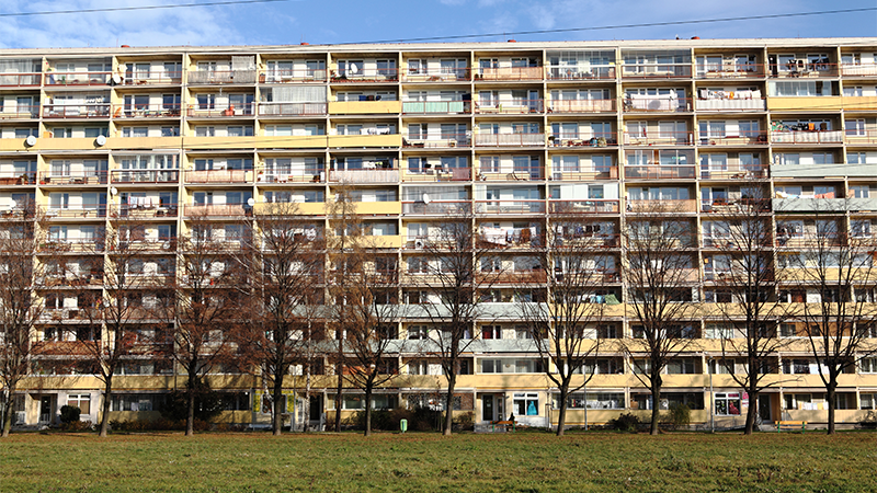 Understanding how older adults living in deprived neighbourhoods address ageing issues